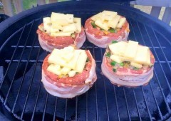 DIY, Ultimate, Stuffed Burger, Grill, Recipe, Beer Can Burger